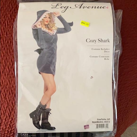 Leg Avenue Womens Cozy Fleece Shark Halloween Costume